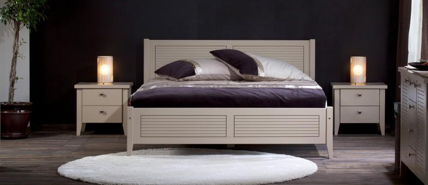 Dřevěná postel Torino caffe latte