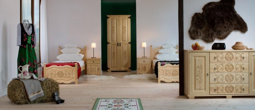 Borovicový nábytek kolekce Horalská